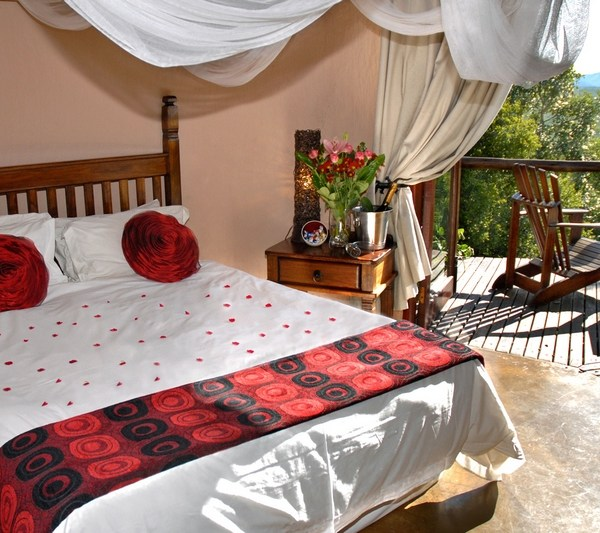 Manyatta Rock Camp Honeymoon Suite Bed