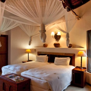 Monwana Game Lodge Bushman Suite Bedroom