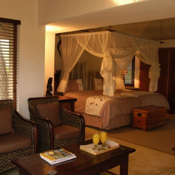 Serondella Game Lodge Suite