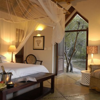 Thornybush Game Lodge Luxury Suite Interior