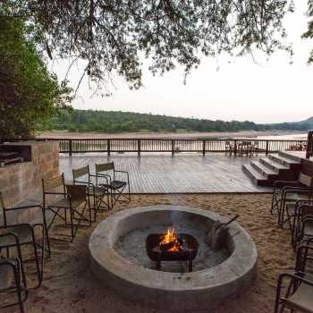 Sefapane River Lodge Boma Fireplace Day