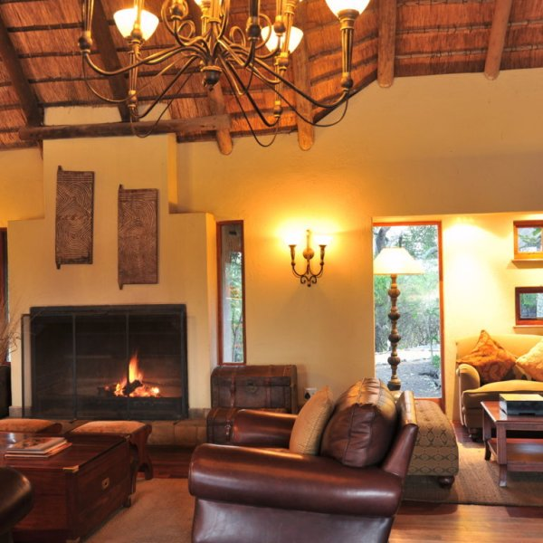 Imbali Safari Lodge Lounge