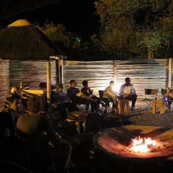 Baluleni Safari Lodge Campfire Lounge