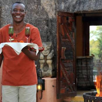 Hoyo Hoyo Safari Lodge Warm Welcome