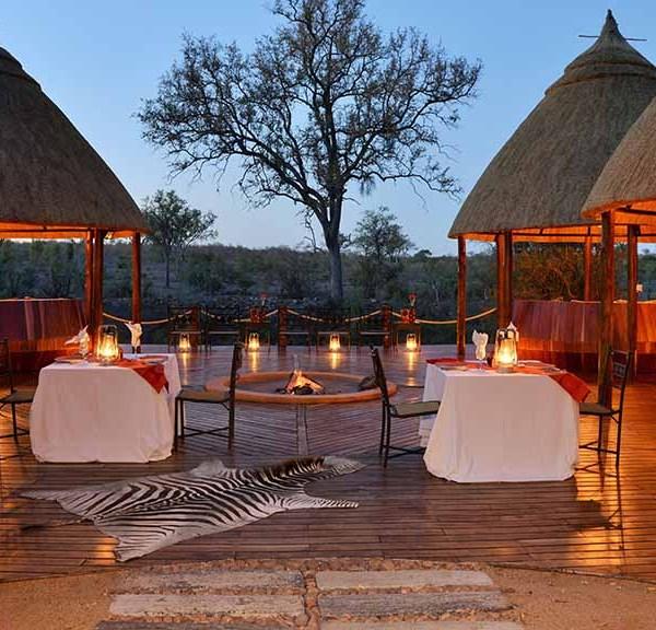 Hoyo Hoyo Safari Lodge Facilities Dining on the Deck