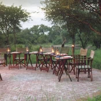 Serondella Game Lodge Fireplace Seating