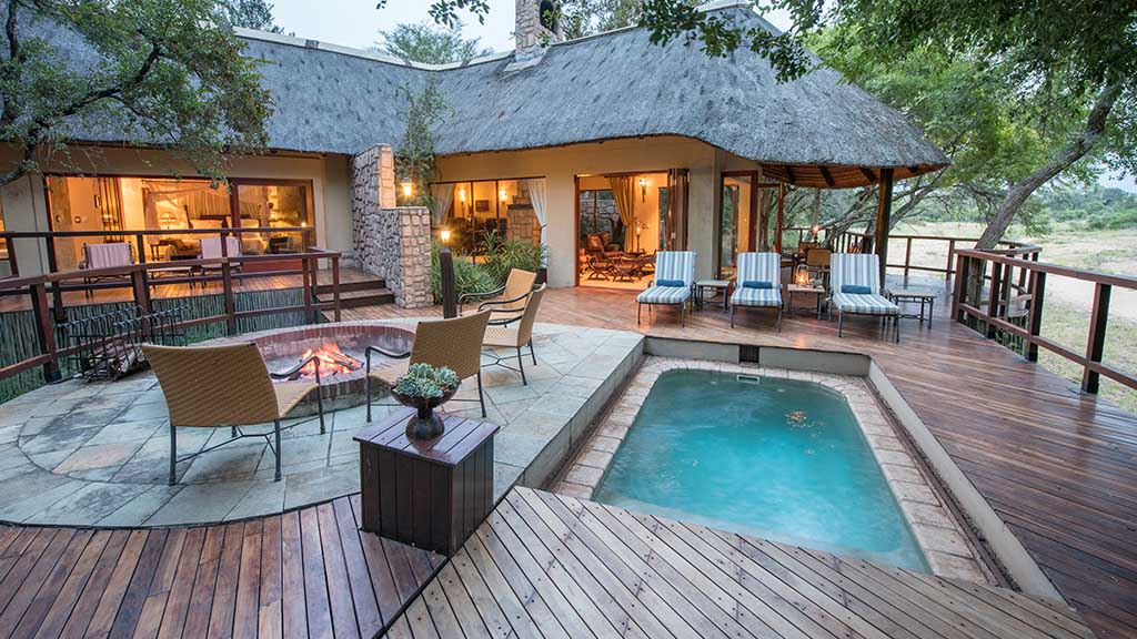 Shumbalala Game Lodge Presidential Suite Exterior Pool