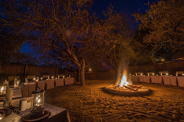 Gomo Gomo Game Lodge Dining Fire