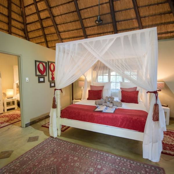 Kambaku Safari Lodge Family Chalet