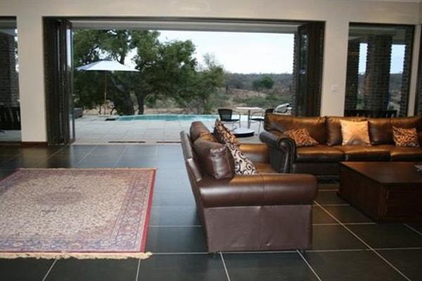 LeoLapa Living Room