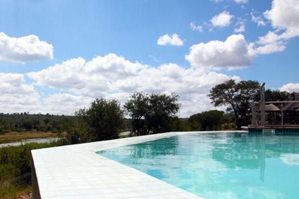LeoLapa Swimming Pool
