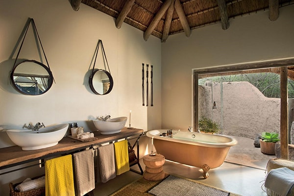 Tanda Tula Safari Camp Bathroom