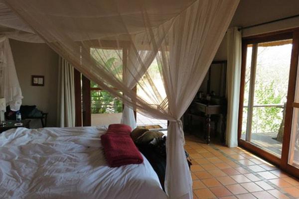 Toro Yaka Bush Lodge Bedroom