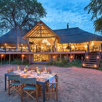 Kambaku River Sands Outdoor Dining