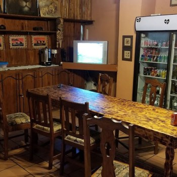 Marcs Treehouse Lodge Bar Area