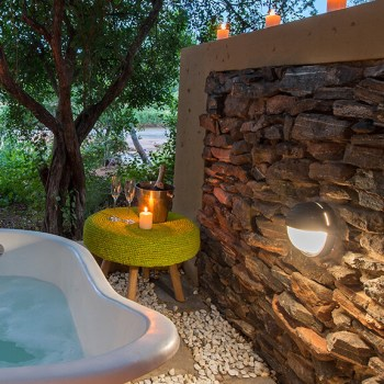 Pondoro Game Lodge Wilde Ivy Outdoor Bath