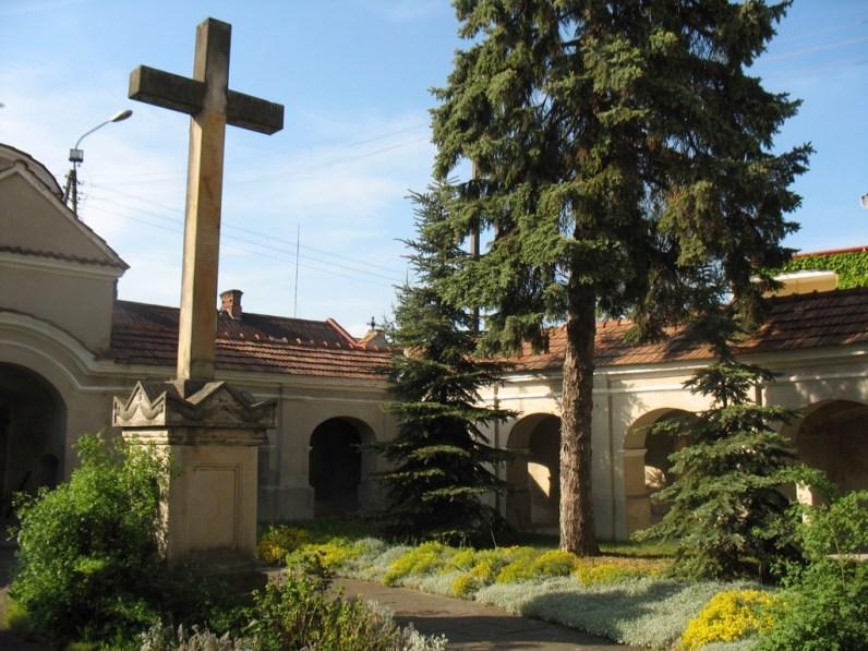 Dziedziniec klasztorny oo. Reformatorów w Solcu nad Wisłą (fot. K. Furmanek)