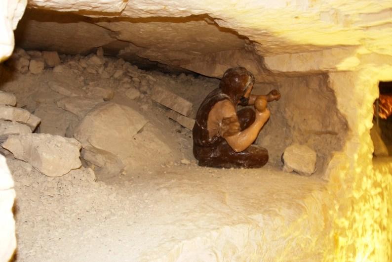 Neolityczne kopalnie krzemienia pasiastego w Krzemionkach (fot. arch. Gminy Bodzechów)