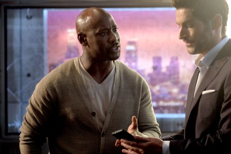 """LUCIFER: L-R: DB Woodside and Tom Ellis in the """"They???re Back, Aren???t They?"""" Season Three premiere episode of LUCIFER airing Monday, Oct. 2 (8:00-9:00 PM ET/PT) on FOX. ©2017 Fox Broadcasting Co. Cr: FOX."""