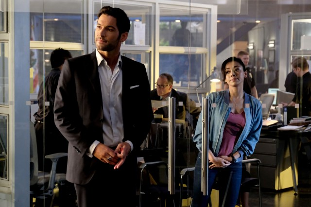 "LUCIFER: L-R: Tom Ellis and Aimee Garcia in the ""They???re Back, Aren???t They?"" Season Three premiere episode of LUCIFER airing Monday, Oct. 2 (8:00-9:00 PM ET/PT) on FOX. ©2017 Fox Broadcasting Co. Cr: FOX."
