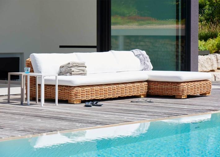 canape 2 places rotin synthetique pour interieur et exterieur et coussins assise et dossier blancs springfield par jankurtz