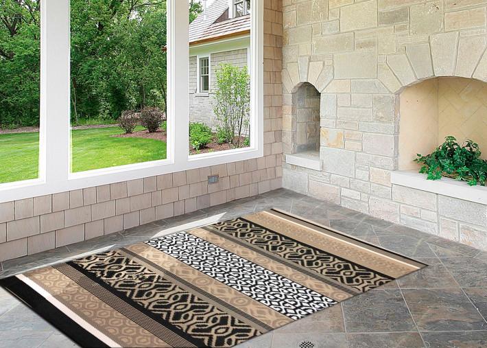 tapis de jardin ou d interieur en plastique recycle noir taupe tailles variees arcade par green decore