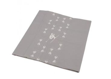nappe caree en coton gris ou rouge 90x90 motif