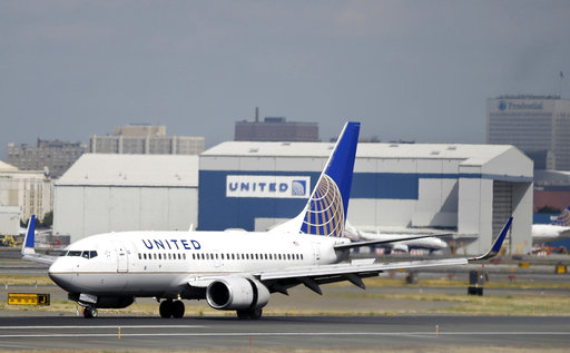 United-Passenger Removed-Social Media_371395
