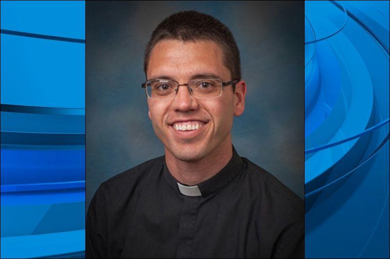 Father Scott Kallal_426653