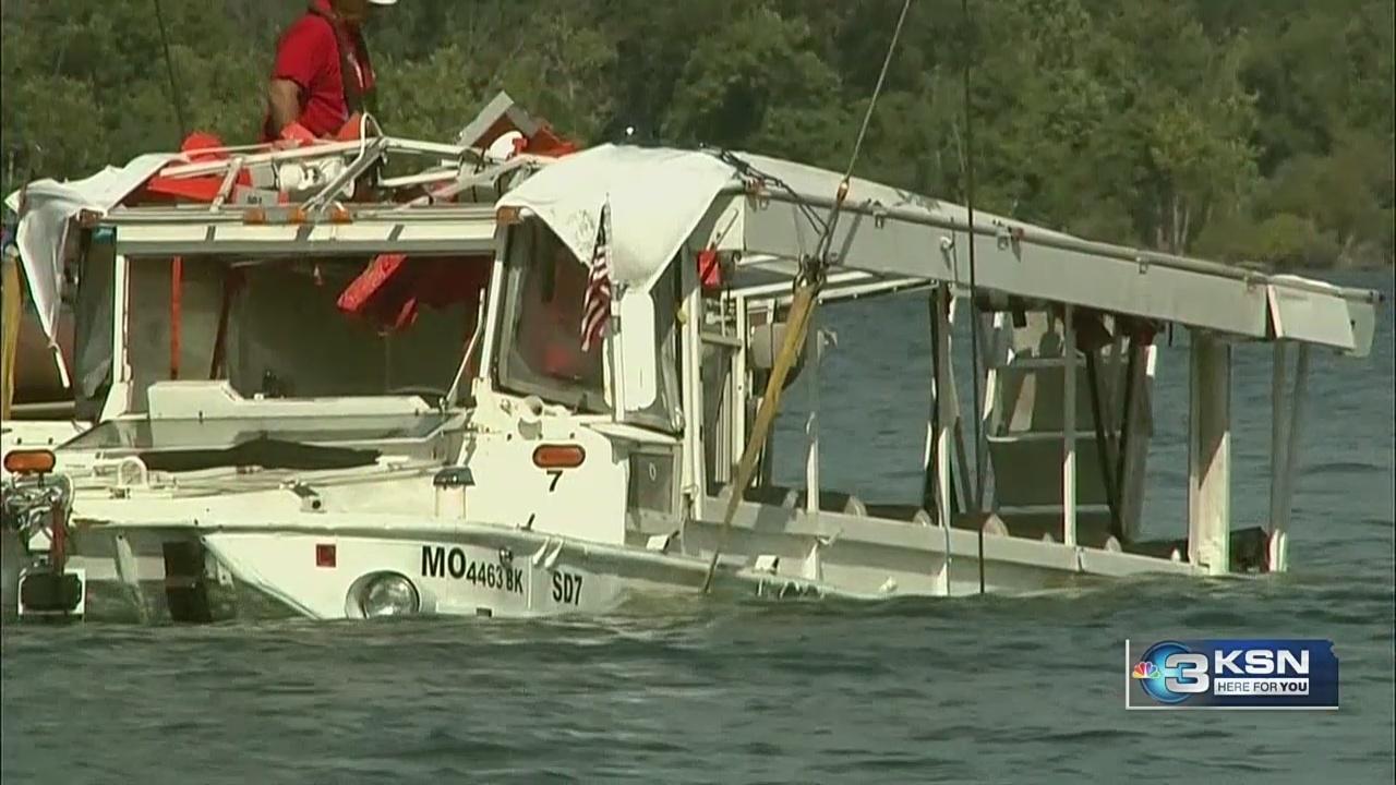 Sunken_duck_boat_raised_from_Missouri_la_0_20180723171208