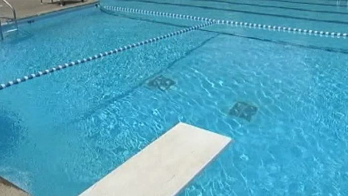 Swimming Pool, diving board_187191