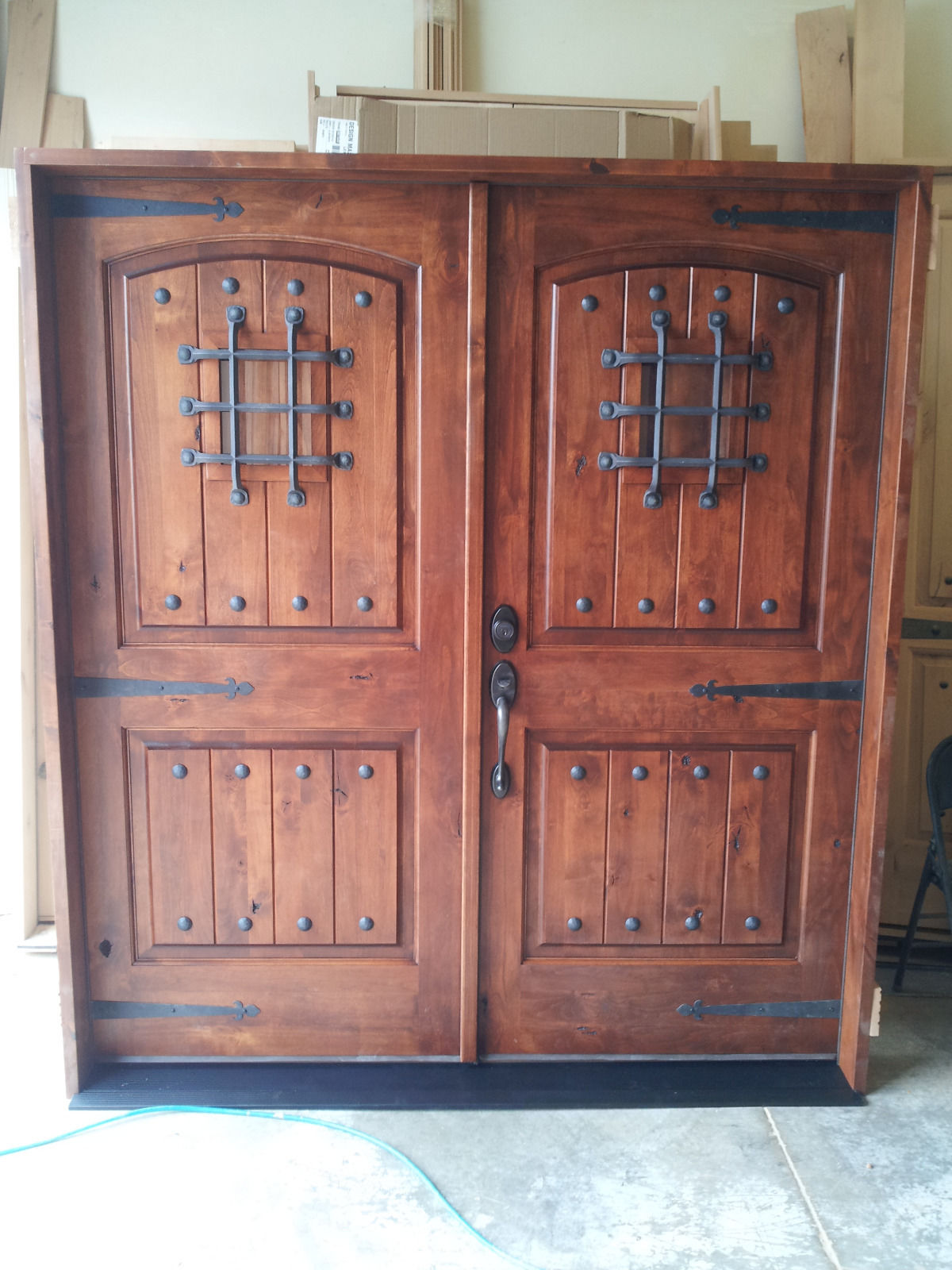 KNOTTY ALDER RUSTIC ARCH TOP ENTRY DOOR EX 1339 KSR Door