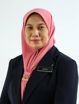 Puan Julia binti Hamzah