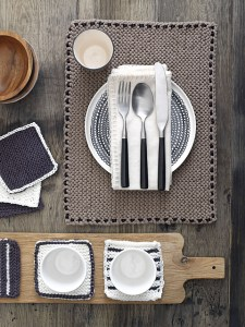 #28 Placemats by Better Homes and Gardens