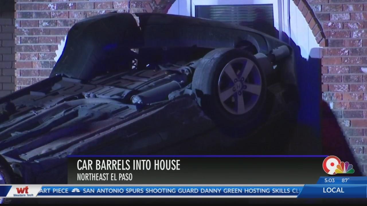 Car_slams_into_Northeast_El_Paso_home_0_20180704142902