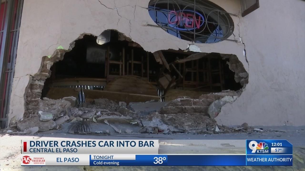 Car drives into Central El Paso bar