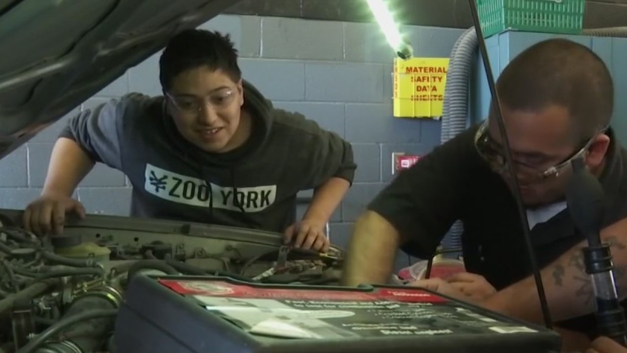 Socorro auto tech program puts students on fast track to success