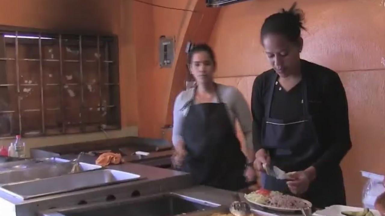 Juarez restaurant hiring Cuban migrants, serving Cuban foods