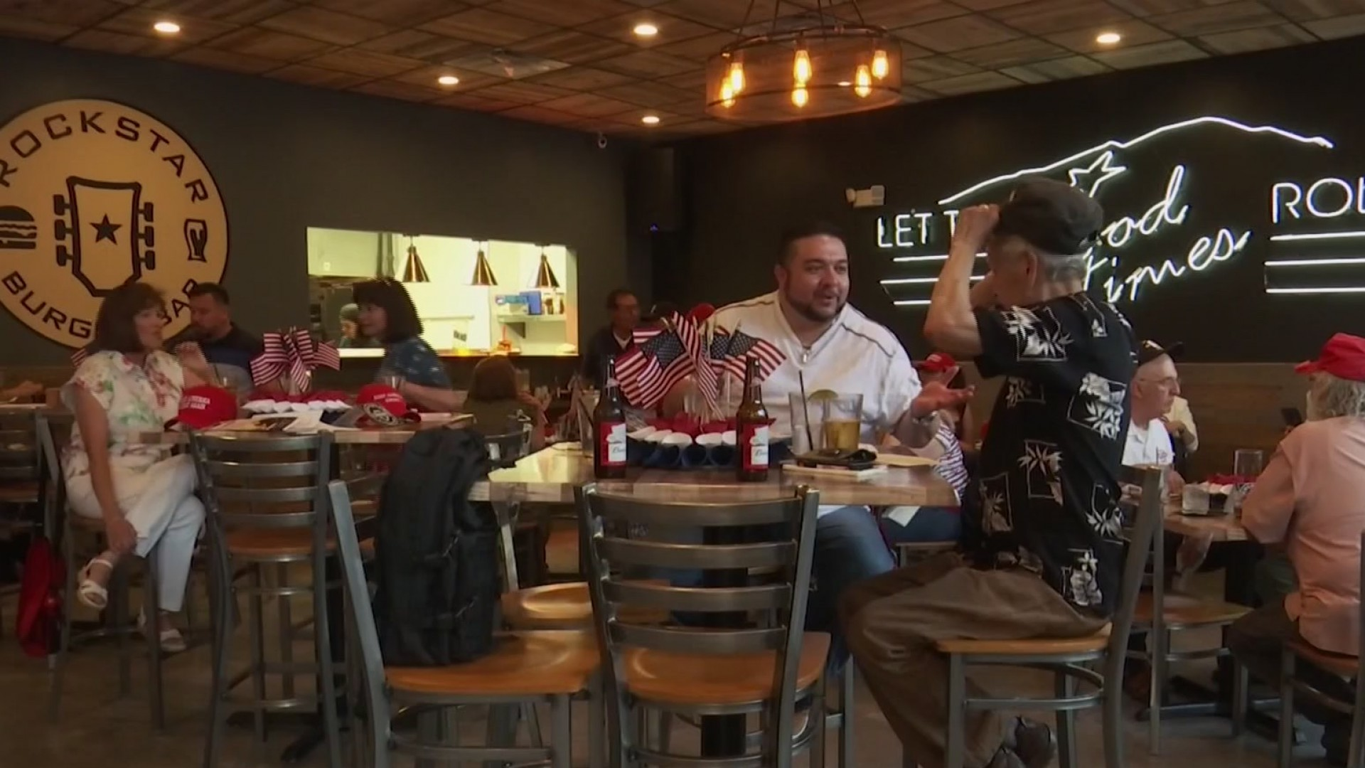 'Latinos for Trump' meet in downtown