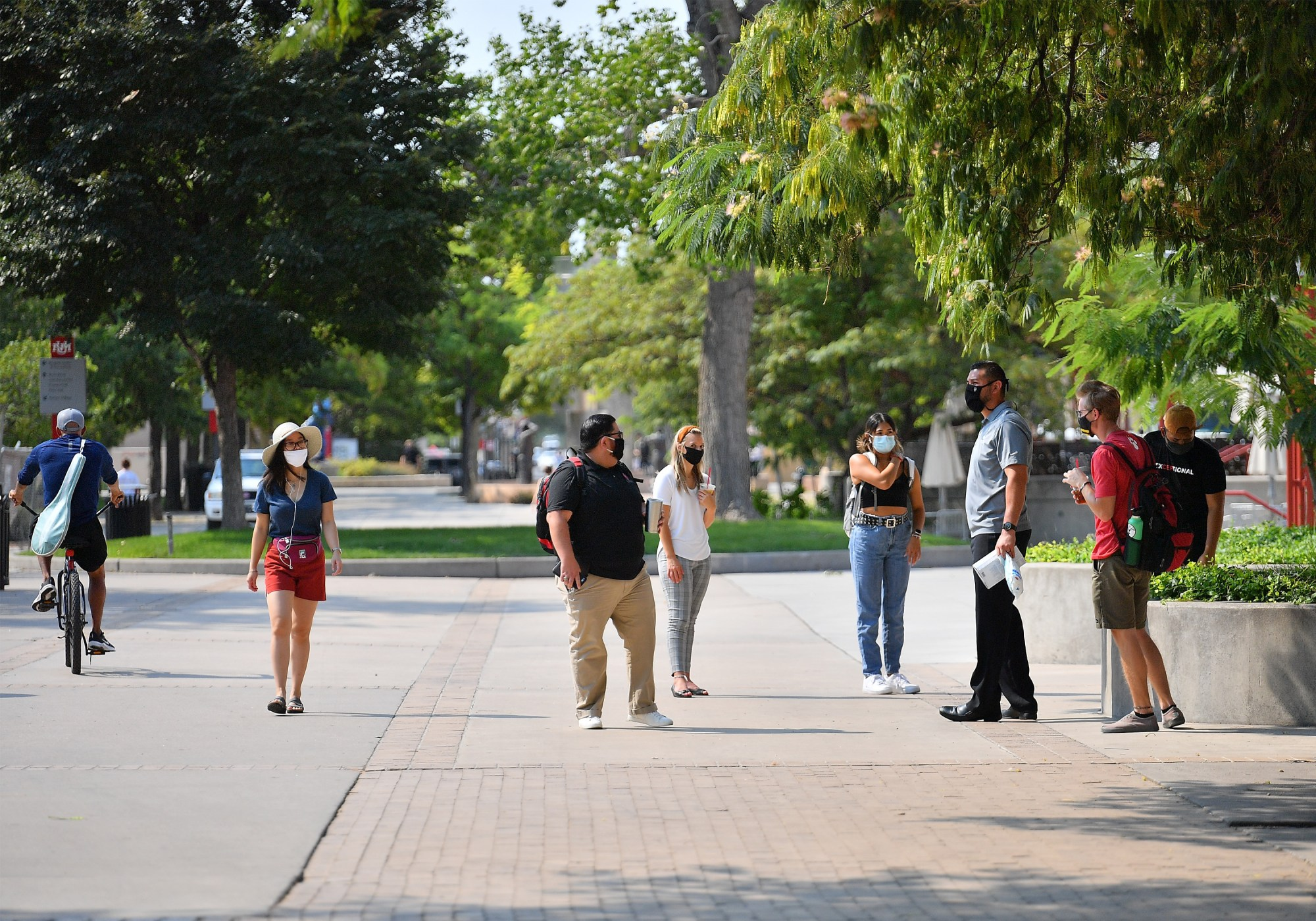 Students At The University Of New Mexico Attend Classes On First Day of New School Year