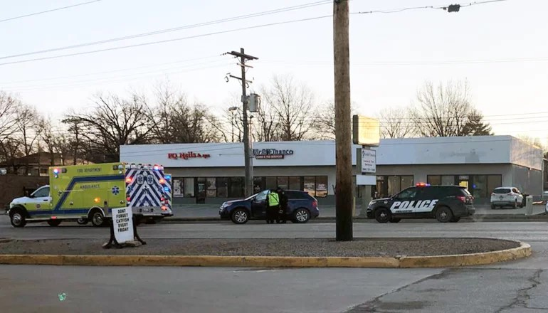 Chillicothe Police Department responds to crash on Washington Street