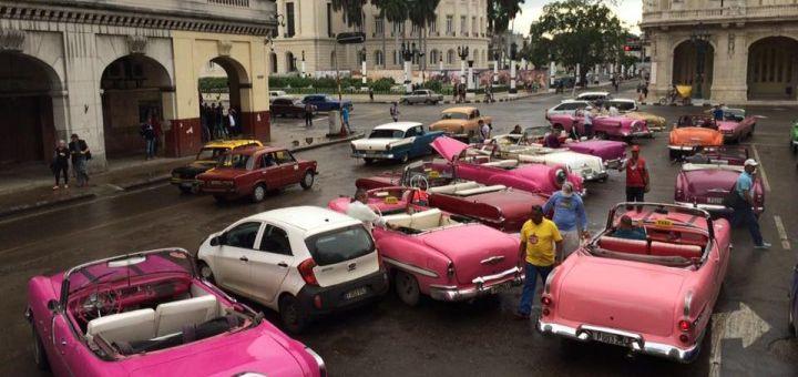 Titelbild: Oldtimer in Havanna