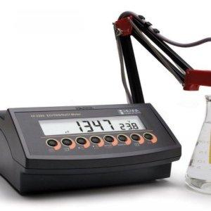 Hanna HI 2300-02 Conductivity Meter