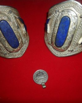 Antique Design Cuff/Bracelet handmade with lapis lazuli