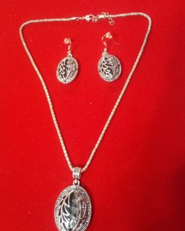 Antique Locket With Ear Rings
