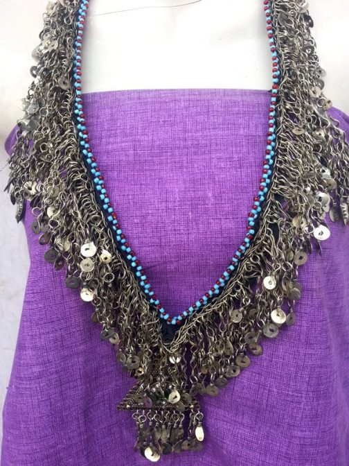 Metal Frill Necklace With Pendant