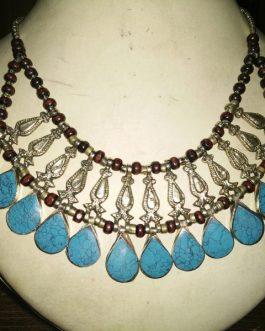 Turquoise Stone Line & Metal Fish Necklace
