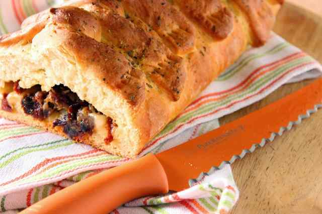 Stuffed Braided Bread with Mozzarella and Sun Dried Tomatoes