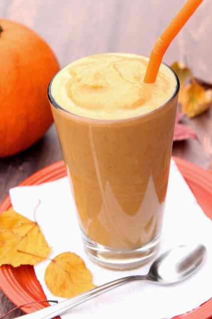 Low-Calorie Pumpkin Pie Malted Milkshake is a creamy and delicious blend of pumpkin, low-fat vanilla yogurt, malted milk powder, vanilla and spices.