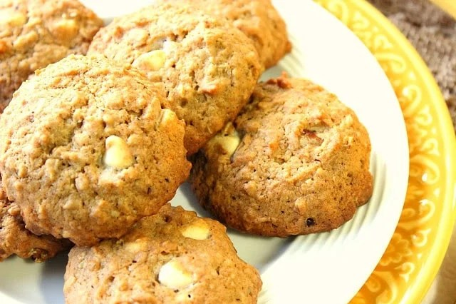 White Chocolate Banana Walnut Cookies